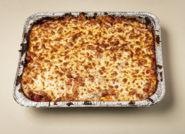 photo of a carryout meal that can help make a restaurant's takeout program more profitable