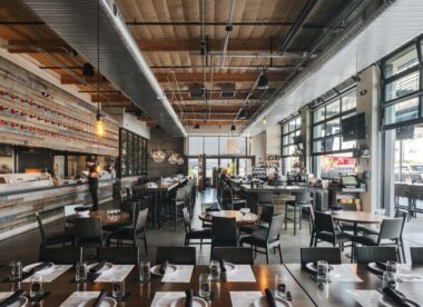 this photo shows an example of good restaurant design at Pitch Pizzeria in Scottsdale, Arizona